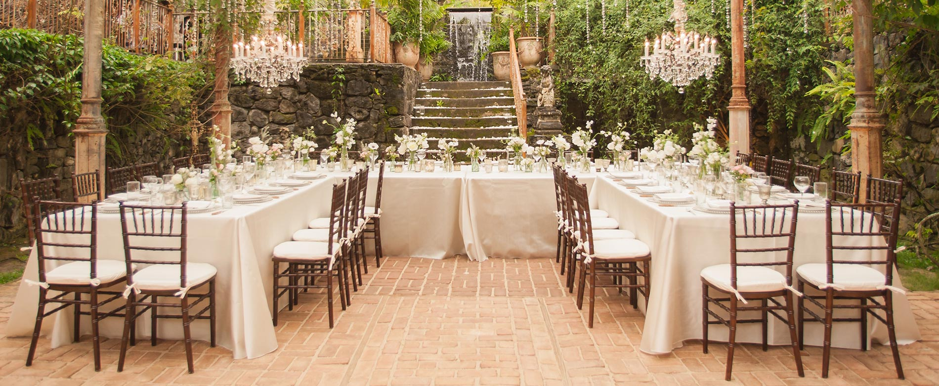 Four Things You Should Consider Before Booking Your Wedding Venue