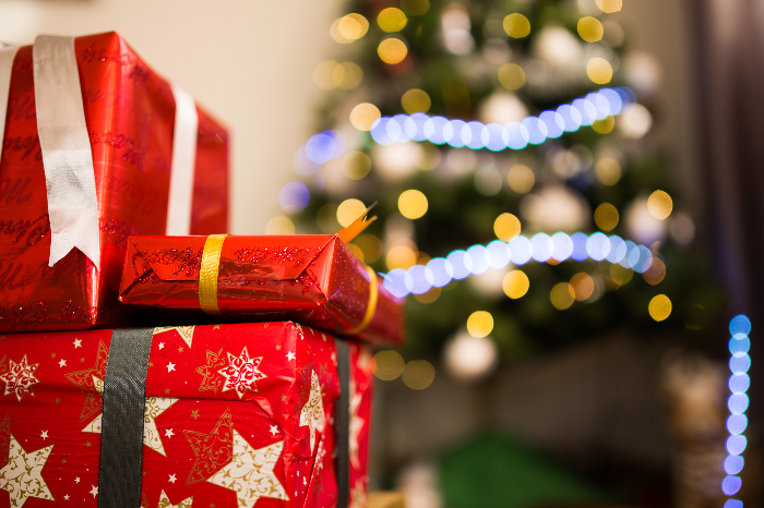 5 Ways to Save Money on Gifts This Festive Season