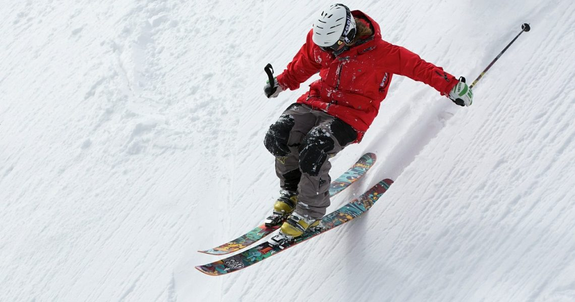 Planning a Skiing Trip? Here are 4 Tips to keep in Mind